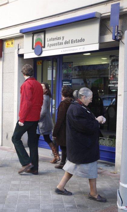 Solo el 10% de españoles dejaría de trabajar si le toca la Lotería