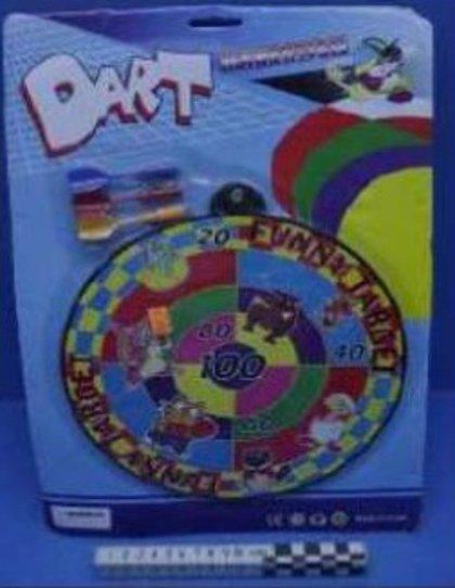Consumo retira del mercado dos arcos con flechas y dos dianas con dardos de juguete por riesgo de asfixia y lesiones