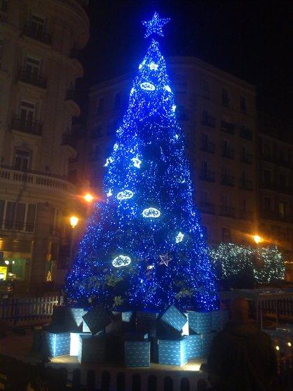 Madrid duplica el coste per cápita de Barcelona en alumbrado navideño, según Adeces