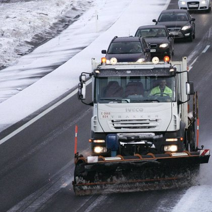 la nieve y el hielo cierran cinco carreteras en Cantabria, y obligan a usar cadenas en otras tantas vías