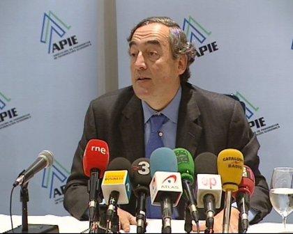 """Herrero y Banegas denuncian presiones sobre el electorado de la CEOE y piden """"neutralidad"""""""