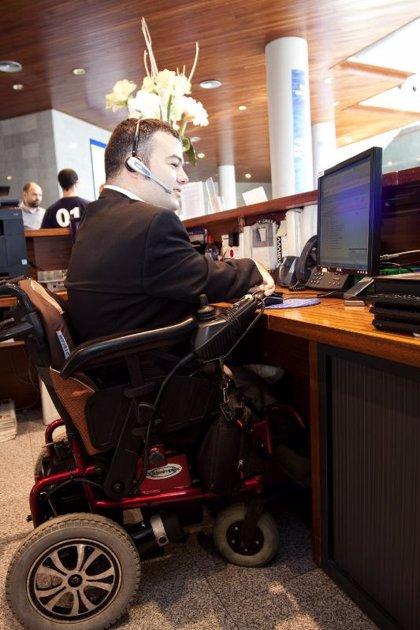 El paro de las personas con discapacidad supera el 16%, cinco puntos más que la población en general
