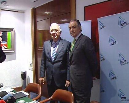Herrero y Banegas denuncian presiones sobre el electorado de la CEOE