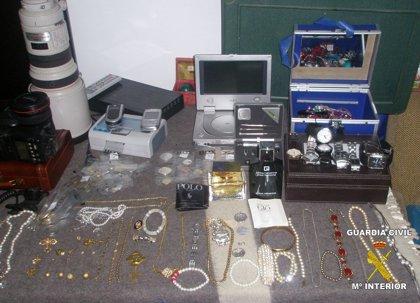 Detenidos dos ciudadanos rumanos por una veintena de robos en casa de campo en la comarca de Vegas Altas