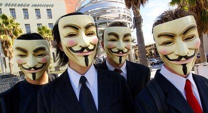 Anonymous apunta a las webs del PSOE o CIU para protestar por la 'Ley Sinde'
