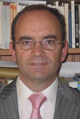 El investigador y profesor Miguel Ibáñez.
