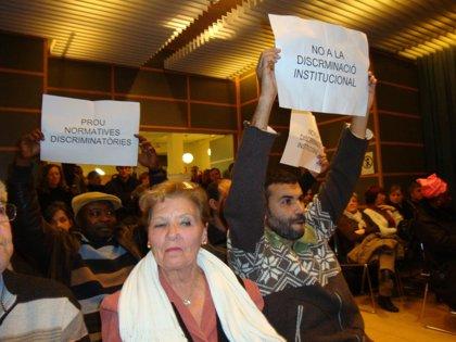 Salt aprueba la moción para poder denegar el arraigo y reagrupación de extranjeros incívicos al Gobierno