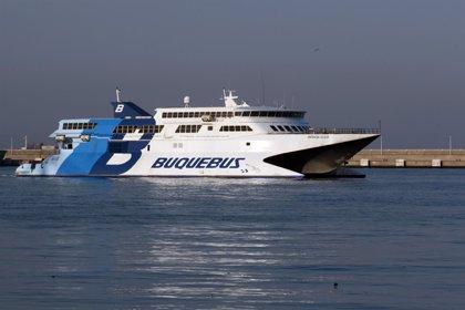 Las conexiones marítimas del Estrecho sufren cancelaciones a causa del viento