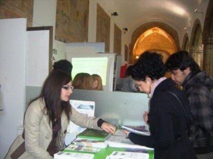 La Mancomunidad Zona Centro muestra sus servicios de formación y empleo en la FET de Cáceres