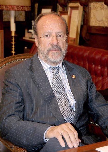 """León de la Riva reitera que si gana las Elecciones agotará la Legislatura y no preparará """"un delfín"""""""