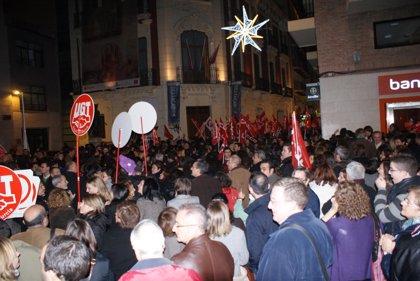 Sindicatos se manifiestan este lunes a las puertas del Palacio de San Esteban por recortes del Gobierno regional