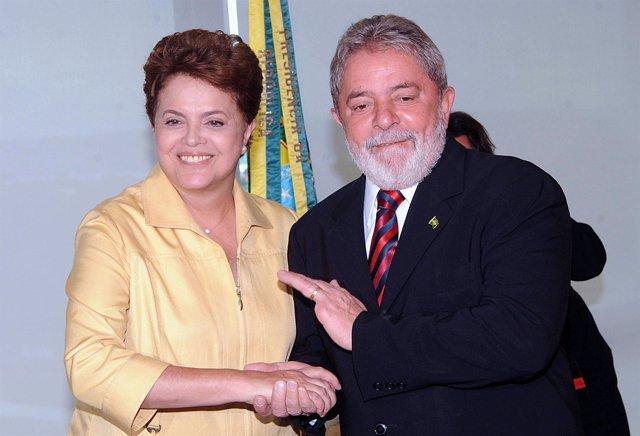 La presidenta electa de Brasil, Dilma Rousseff, y el mandatario saliente, Luiz I