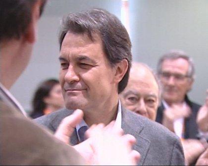Mas debutará como presidente de la Generalitat en el partido Catalunya-Honduras