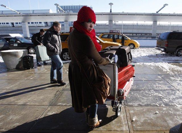 Aeropuerto de Nueva York en el temporal de nieve