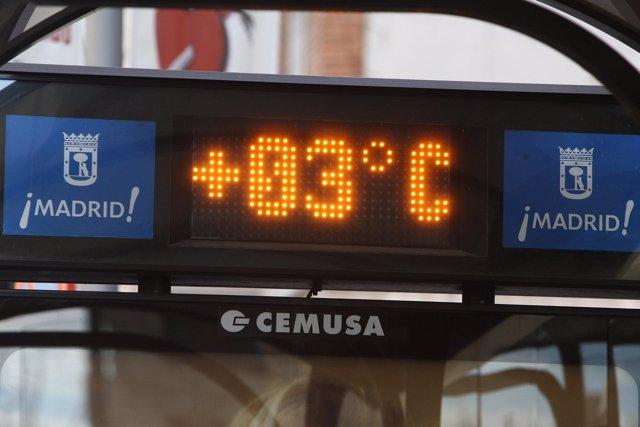 Termómetro marca 3 grados, frío