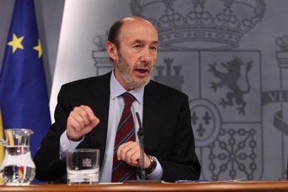 """Rubalcaba cree que """"no hay novedad"""" en Otegi y pide que se pase """"a la declaración de verdad"""" de que ETA """"lo deje"""""""