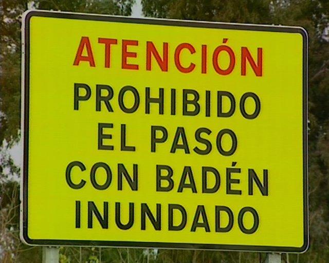 El temporal de lluvias provoca el corte de tres carreteras en Extremadura