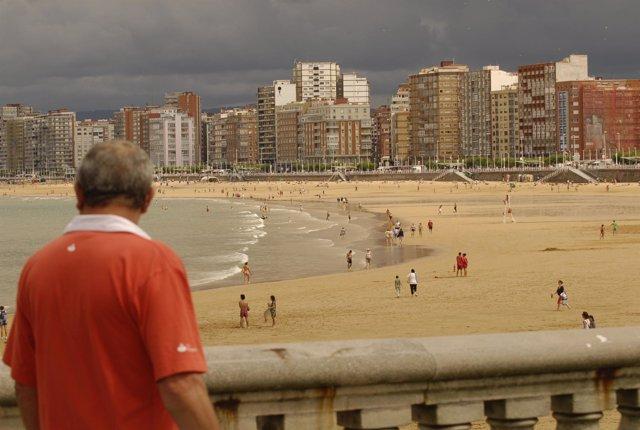 Playa de San Lorenzo.