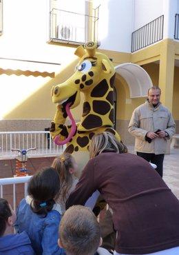 Terra Natura Murcia realiza una entrega de regalos a los niños de la Casa Cuna d
