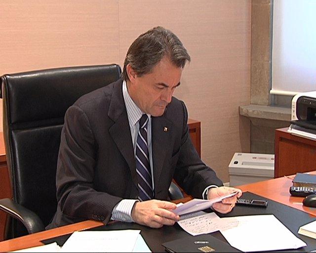 Artur Mas afronta su primer día en la Generalitat
