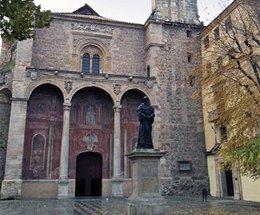 Iglesia de Santo Domingo y antiguo Convento de Santa Cruz la Real en Granada