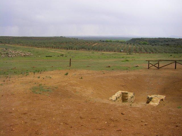 Entorno de El Gandul con el dolmen en primer término.