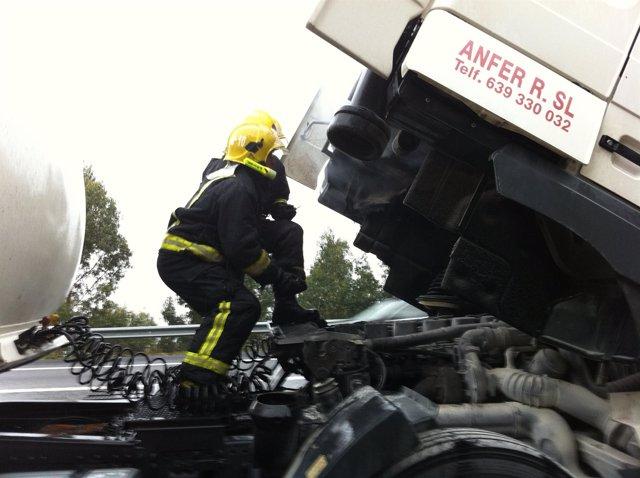 Incendio En Un Camion En La Via Rapida Do Morrazo