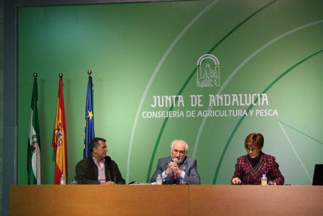 Presentación de guía sobre sostenibilidad agraria y forestal en la Consejería de