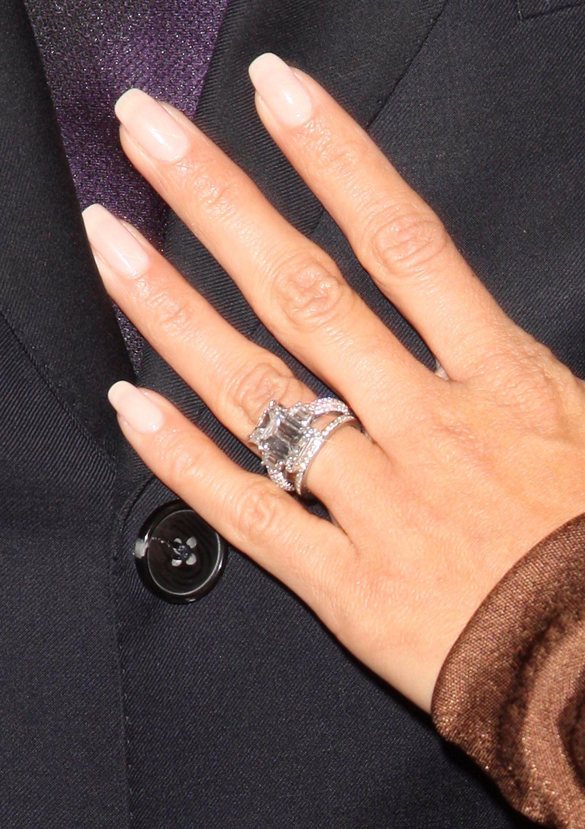 Luce Unas Unas Elegantes Y Discretas Con La Manicura Francesa - Manicuras-elegantes