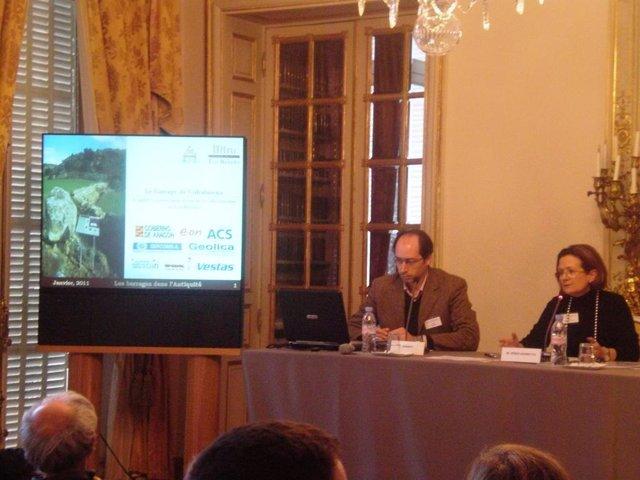 Un momento de la presentación de la presa romana de Los Bañales en París