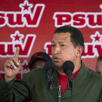 """Chávez dice que su reelección """"está escrita"""""""