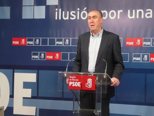 El responsable de Educación del Grupo Parlamentario Socialista, Jesús López