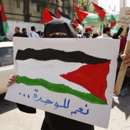 Los palestinos salen a la calle en favor de la reconciliación entre Al Fatá y Ha