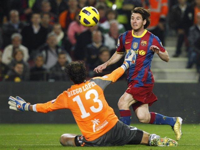 Messi supera a Diego López