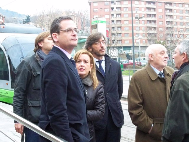 Basagoiti con cargos del PP vasco