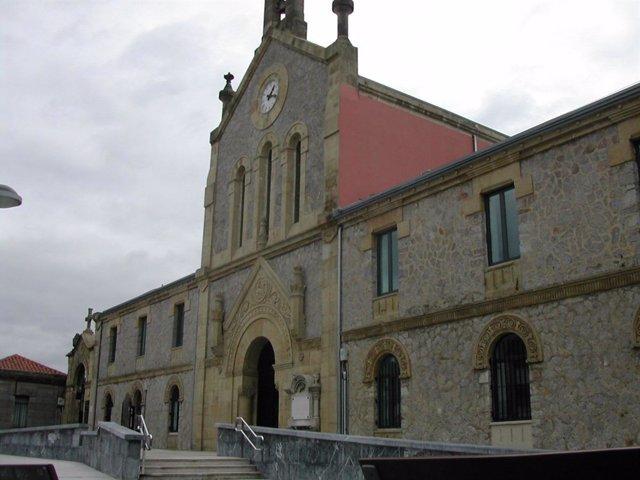 Iglesia de Polloe.