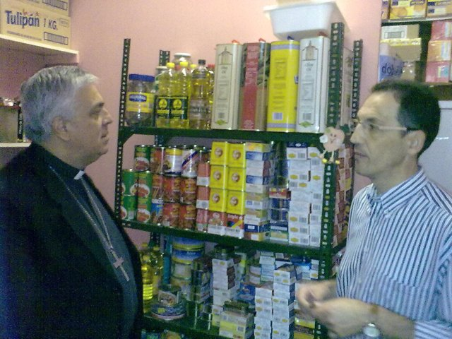 Visita Del Obispo A Los Proyectos De Cáritas Diocesana De Tenerife