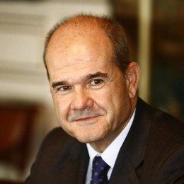 Plano atemporal del ministro Manuel Chaves