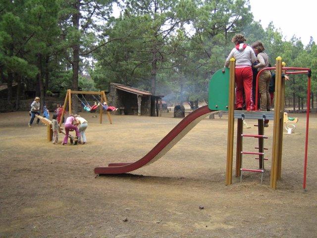 Niños jugando-infancia-parque