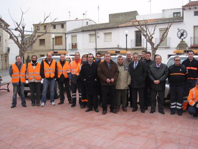 Rogelio Silva entrega cuatro vehículos pick-up en el municipio de Bujaraloz a la