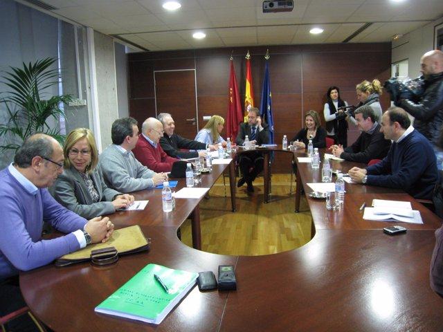 Reunión de los sindicatos con el Gobierno regional