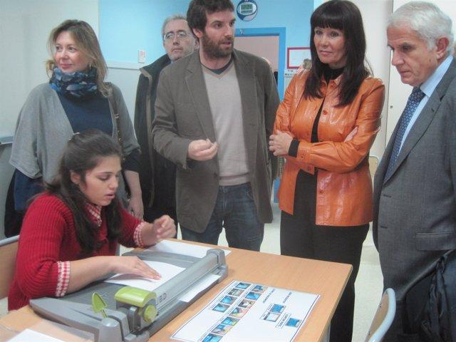 Inauguración Centro Autismo Sevilla Consejera Igualdad