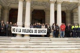 La alcaldesa de Cartagena pide que los casos de violencia de género se denuncien