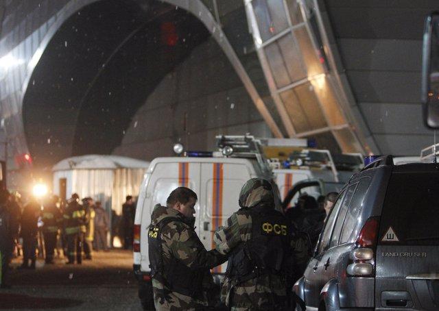 Militares en el el aeropuerto Domodedovo de Moscú tras el atentado terrorista