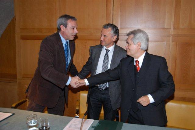 Los consejeros de Eduación y Cultura de la Junta de Andalucía, con el presidente