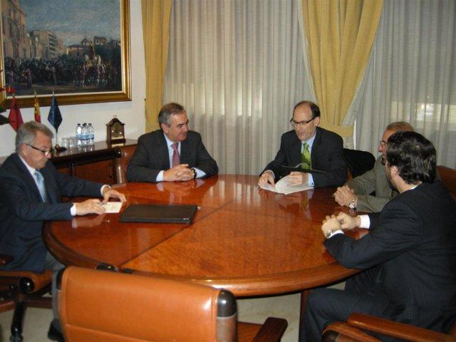 De izquierda a derecha: Francisco Faraco (director del Área de
