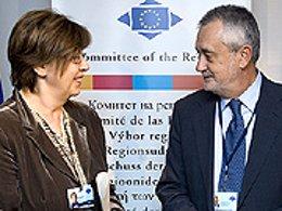 El presidente de la Junta de Andalucía, José Antonio Griñán, con la presidenta d