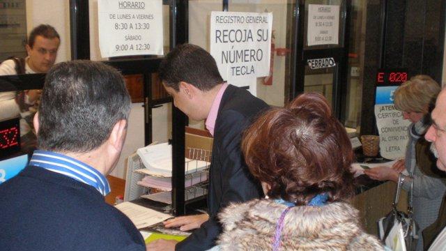 PRC Nota+ Foto+ Enmiendas / El PRC Registra Una Enmienda A La Totalidad A Los Pr