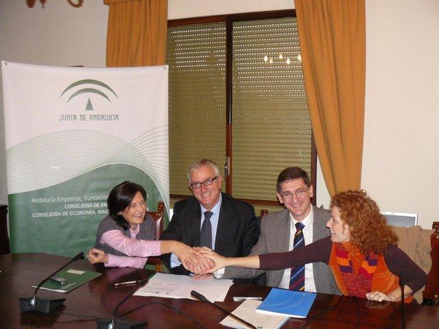 Firma del convenio de la Delegación Provincial de Empleo