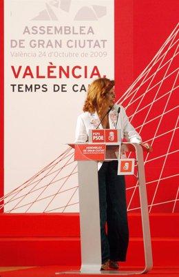 Carmen Alborch en una asamblea celebrada en 2009.